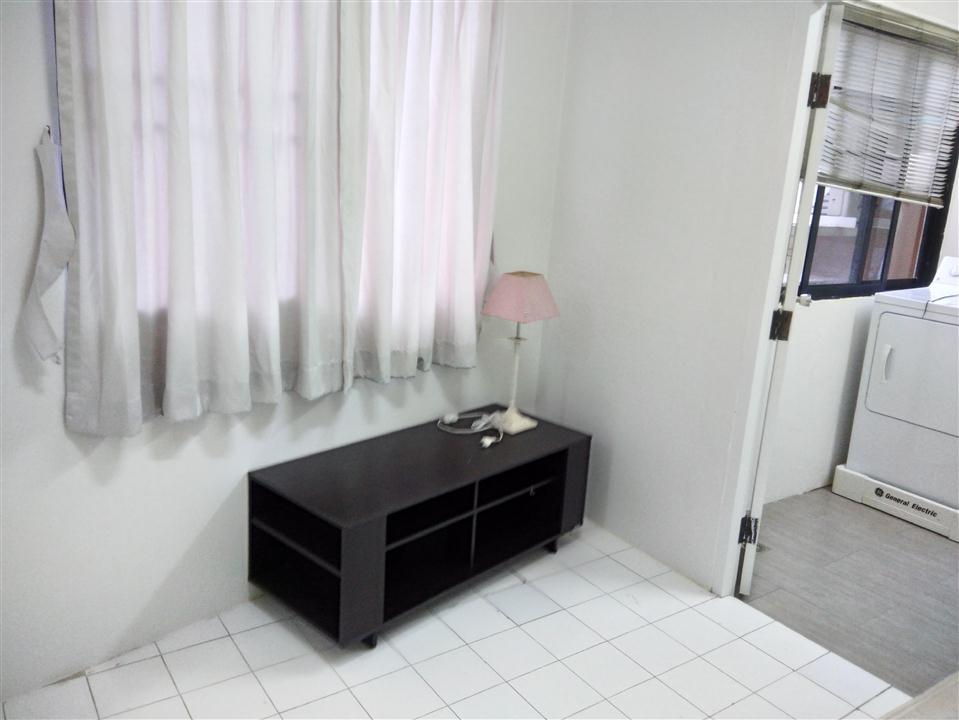 MAIDROOM AT SATHORN CREST APARTMENT UNIT 6TH FLOOR